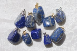 Nakit iz kristalov in kamnov