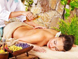 Thai  masaža z eteričnimi olji za dodatne pozitivne učinke