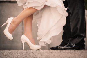 Pomembno je, da se v izbrani poročni obutvi počutite udobno in prijetno.