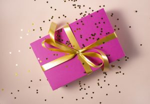 Veliko dobrih idej za nakup darila za najstnike imate tudi na spletu.