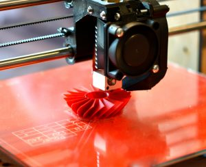 Če iščete stroškovno najučinkovitejšo tehniko za izdelavo svojih prototipov, je jasno, da morate začeti vlagati v profesionalne 3D tiskalnike.