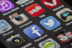 Na raznovrstnih delavnicah kot je denimo Facebook seminar boste izvedeli več o učinkovitih strategijah spletne prodaje.
